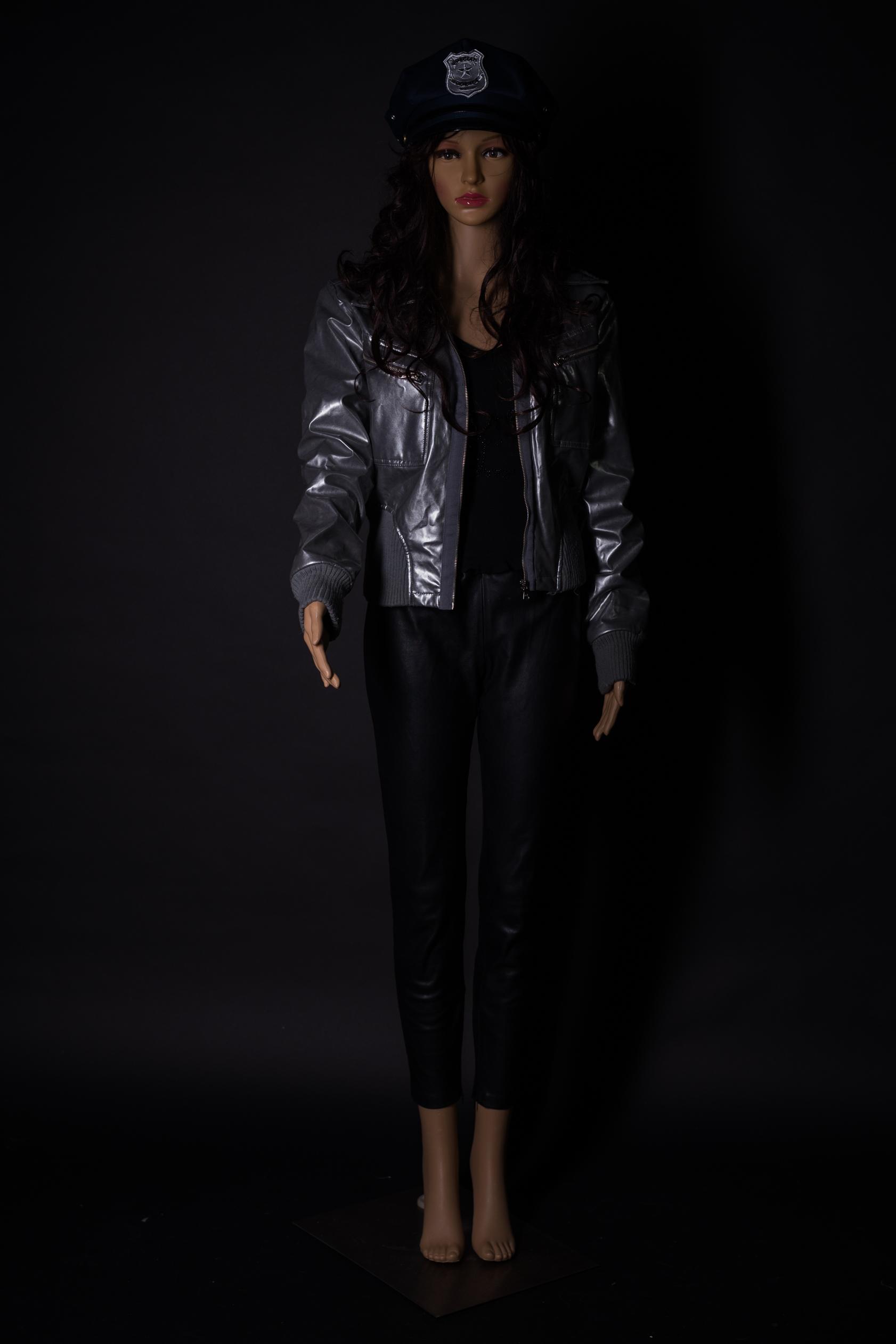 Schwarz Silber Outfit für Disco oder Mottoabend mit Polizeikappe